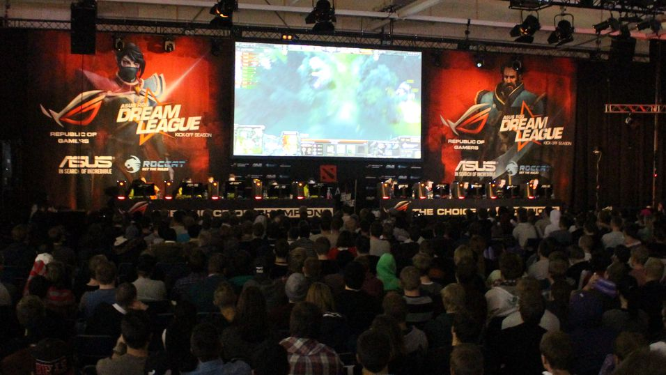 Stemningsfullt under Dota 2-finalen på Dreamhack Winter.