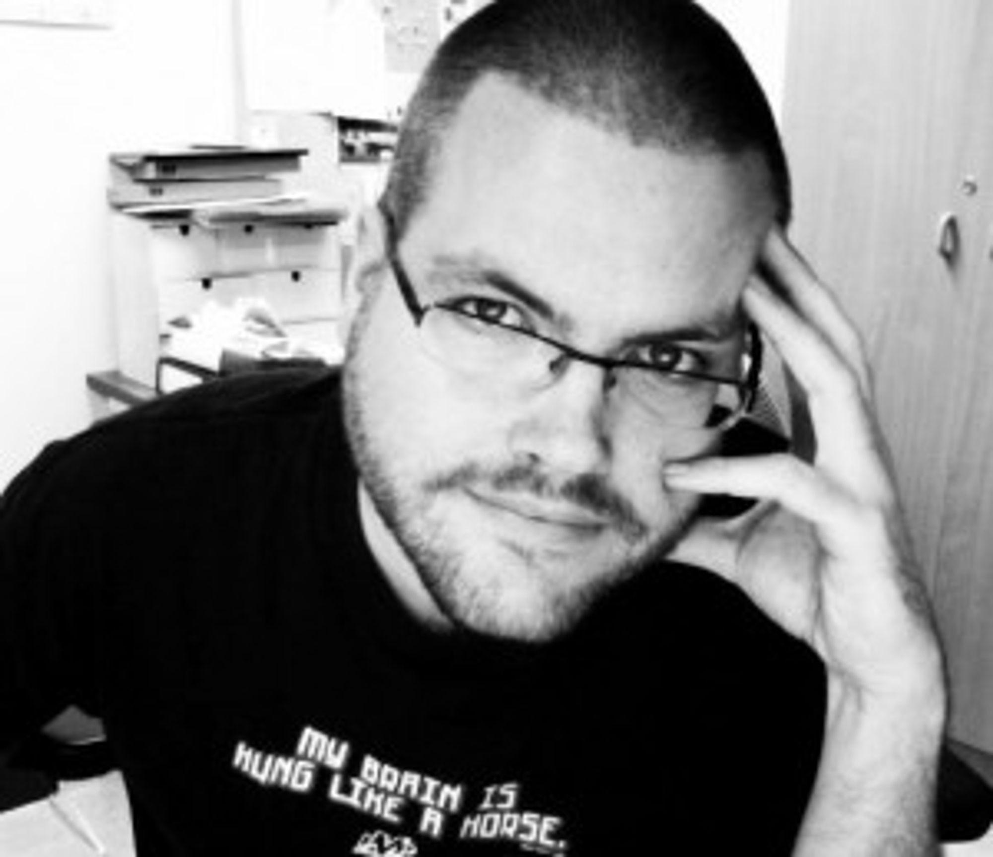 Gunnar Tjomlid foretrekker å blogge fra Mac fremfor mobil eller nettbrett.
