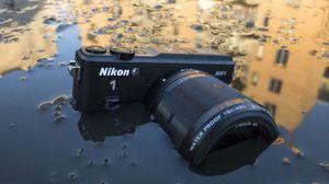 Nikon 1 AW1: Huffa, hva har skjedd her? .