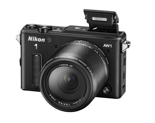 Nikon1 AW1 med blitsen oppe.