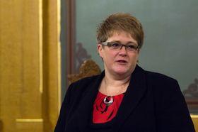 Venstreleder Trine Skei Grande mener direktivet må droppes i Norge.
