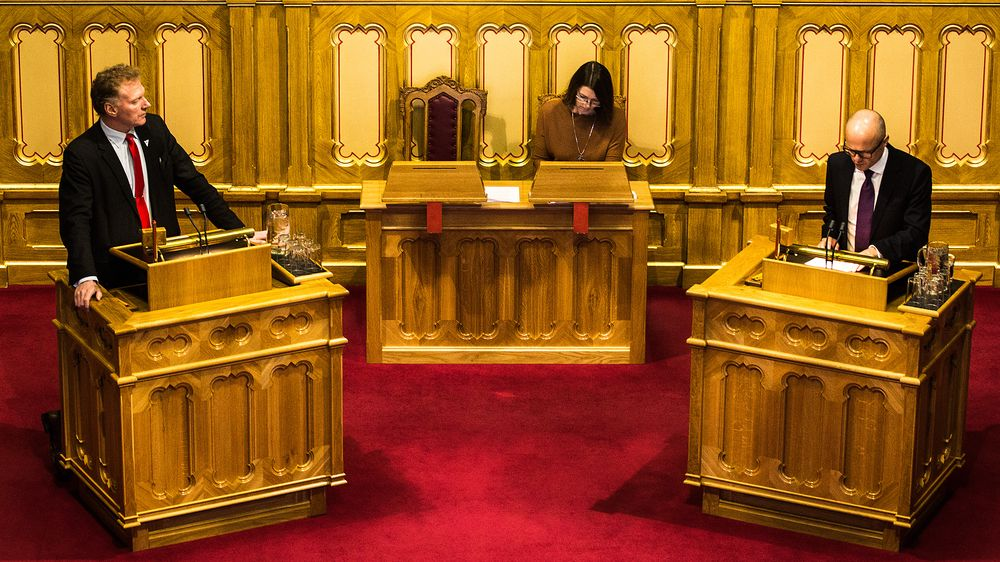Johnny Ingebrigtsen, Sosialistisk Venstreparti, ber statsråd ved Statsministerens kontor Vidar Helgesen om en redegjøring.
