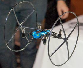 En Mini Drone som gjør det den kan best.
