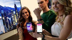 LG viste frem treningsarmbånd og øreplugger med pulsmåling på CES. Begge deler kommuniserer med mobilen.