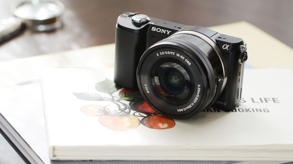 Knøttlite systemkamera fra Sony