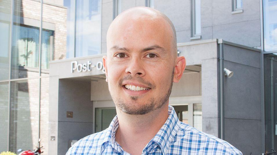 Underdirektør John-Eivind Velure i Post- og teletilsynets frekvensavdeling blir ny frekvensdirektør samtidig som tilsynet endrer navn til Nasjonal kommunikasjonsmyndighet (Nkom) ved årsskiftet.
