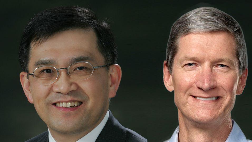 Oh-Hyun Kwon i Samsung og Tim Cook i Apple.