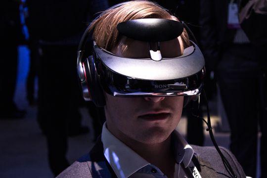 De nye VR-brillene er en videreutvikling av selskapets eksisterende 3D-briller, som vi fikk testet da vi besøkte CES i januar.