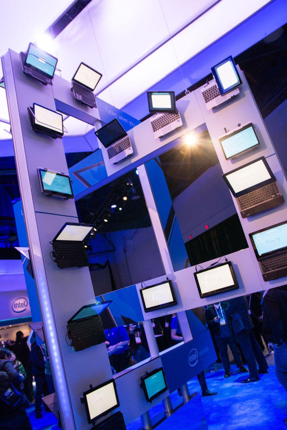 Intel viste frem en rekke Ultrabook-konsepter på sin stand.