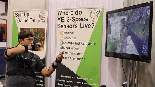 PrioVR-draktene kan brukes både med skjerm og VR-briller.