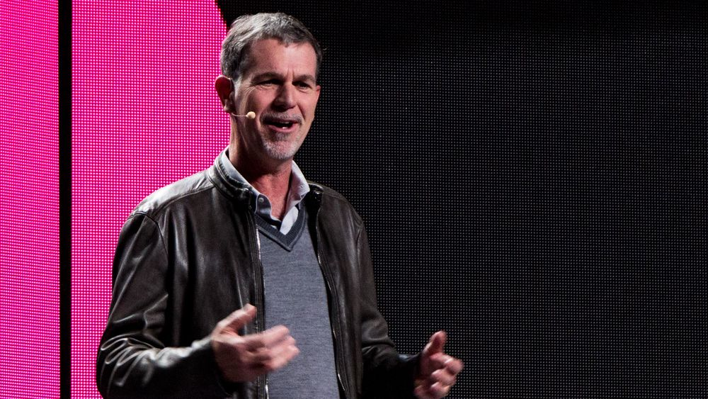 Netflix' Reed Hastings var en populær mann på CES. Her står han  på scenen under LGs pressekonferanse.