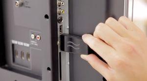 Airtame kan kobles til andre skjermer så de speiler eller utvider skrivebordet ditt. Om du mangler HDMI-inngang kan du ironisk nok kjøpe et adapter av firmaet som ønsket å komme de til livs.