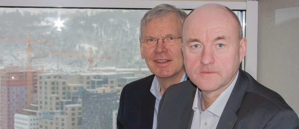 Administrerende direktør Jørgen Myrland i Cisco Norge og kollega Svein Lerkerød i Datametrix presenterte selskapenes satsing på norsklagrede skybaserte samhandlingsløsninger på toppen av Oslo Plaza.