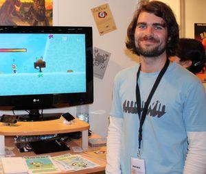 Kristoffer Jetmundsen viser PSN-spillet Umami på spillmessa Gamescom for noen år siden.