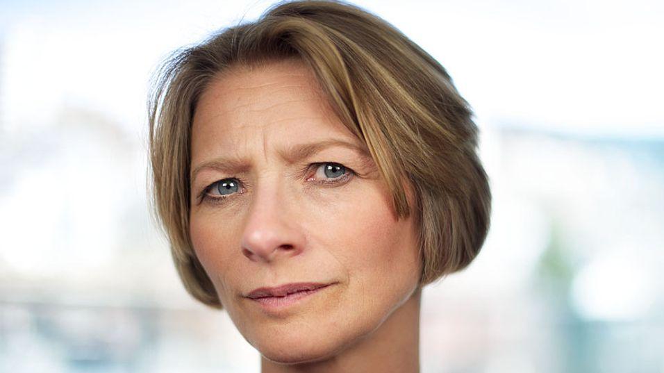 Forbrukerombud Gry Nergård har sendt bransjen de nye reglene for markedsføring av bredbånd.