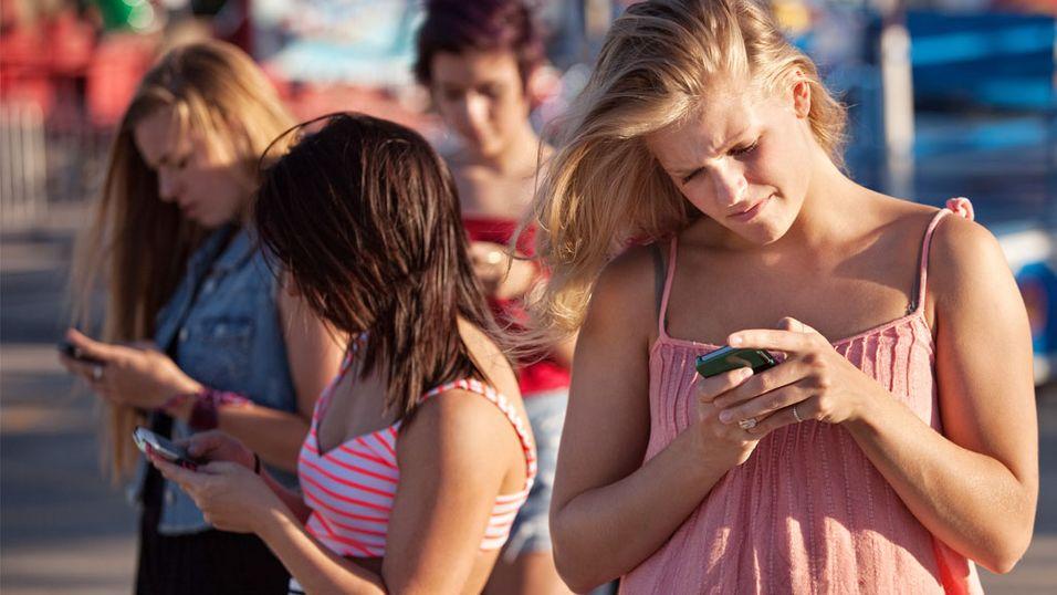 Gjør smartmobilen deg mer eller mindre sosial?