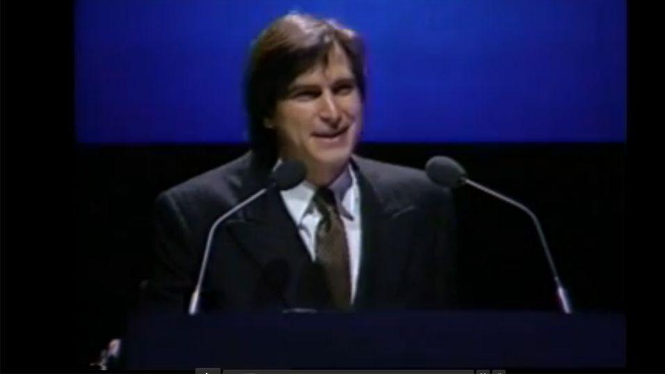 Se Steve Jobs lansere Macintosh i 1984