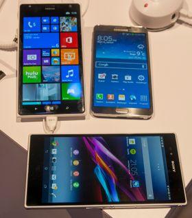 Lumia 1520 er en relativt voksen sak. Her er den avbildet sammen med Samsung Galaxy Note 3 og Sony Xperia Z Ultra.