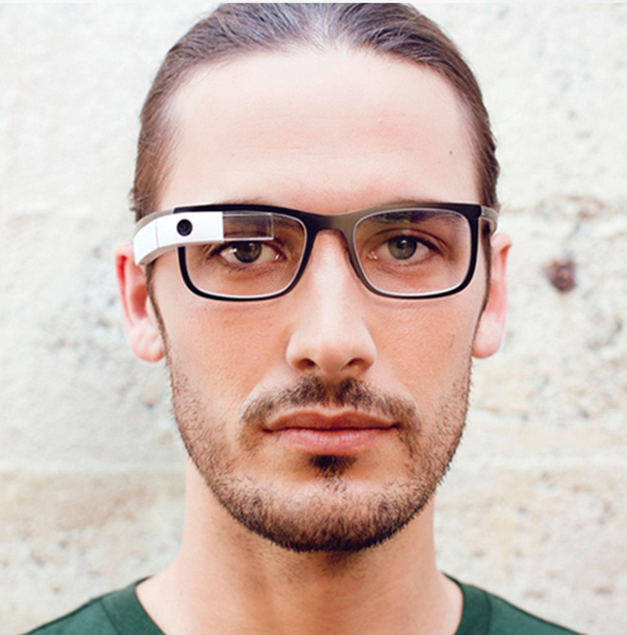 2fc329366431 Googles egne smartbriller med innfatning var designet av Google selv. Nå  kommer brillene fra de