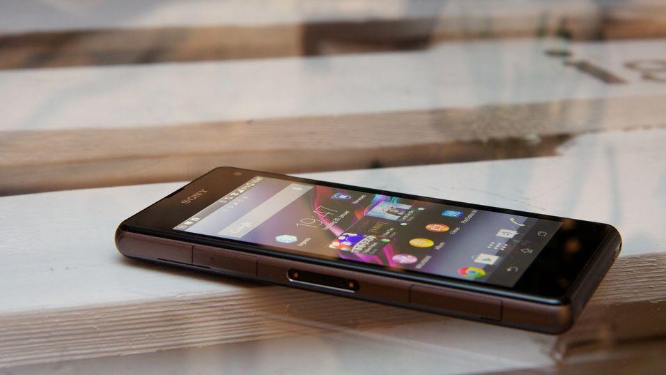 Sony Xperia Z1 Compact er blant modellene som nå oppdateres med KitKat 4.4.4