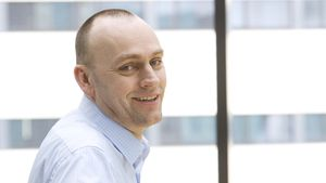 Bjørn Ivar Moen leder Telenors norske mobilvirksomhet. Han er lei av at One Call sier at 3G er like bra som 4G.