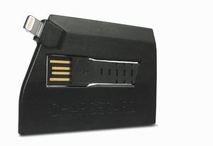 ChargeCard, her med Lightning-utgang til iPhone 5/5S/5C.