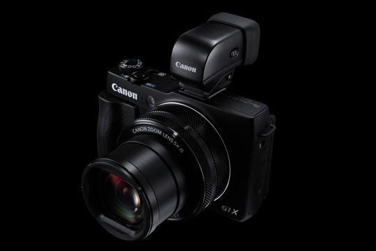 Canon Powershot G1 X Mark II med den elektroniske søkeren.