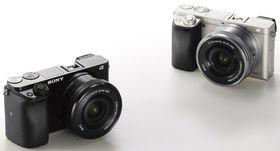 Sony a6000 kommer i både sort og titan utførelse.