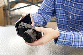 Med Wi-Fi og NFC er det enkelt å være sosial med dette kameraet.