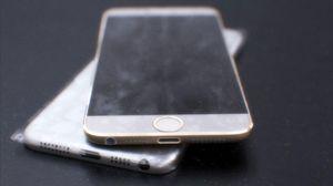 Disse bildene av det som skulle være iPhone 6 har vist seg å være falske, ifølge Engadget.