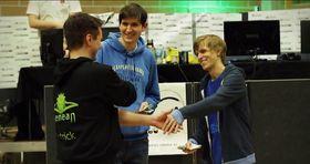 «Snute» (t.h.) vant StarCraft II-turneringen på Nemean i fjor, mens «Shad» kom på andre plass. (Foto: Nemean).