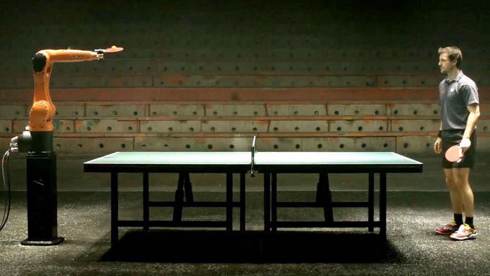 Vil KUKA banke ping-pong-proffen?