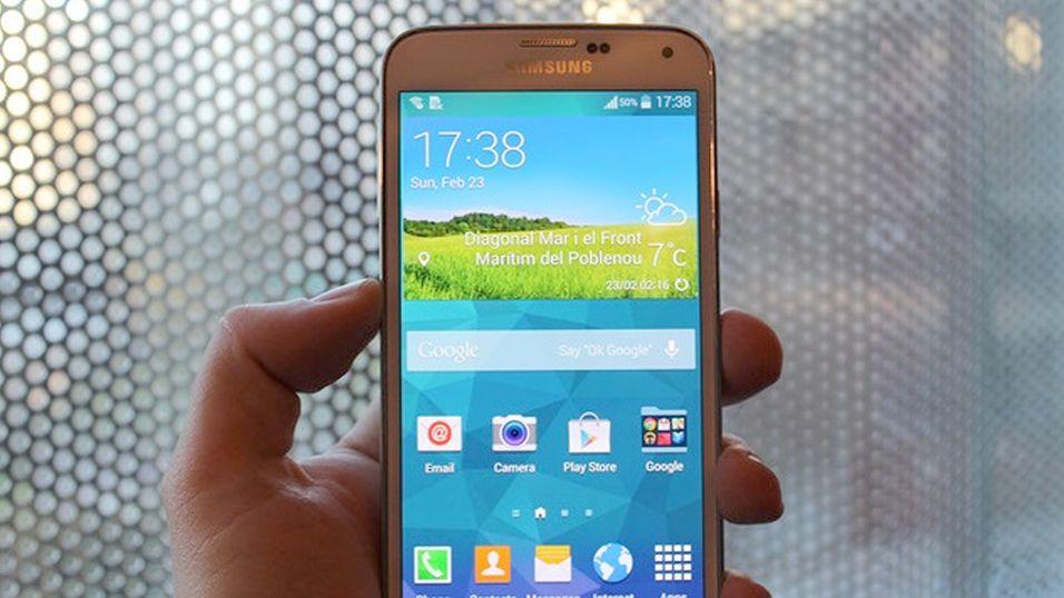 Disse påståtte bildene av Galaxy S5 skal komme fra en bruker av forumet Hardwarezone.com.