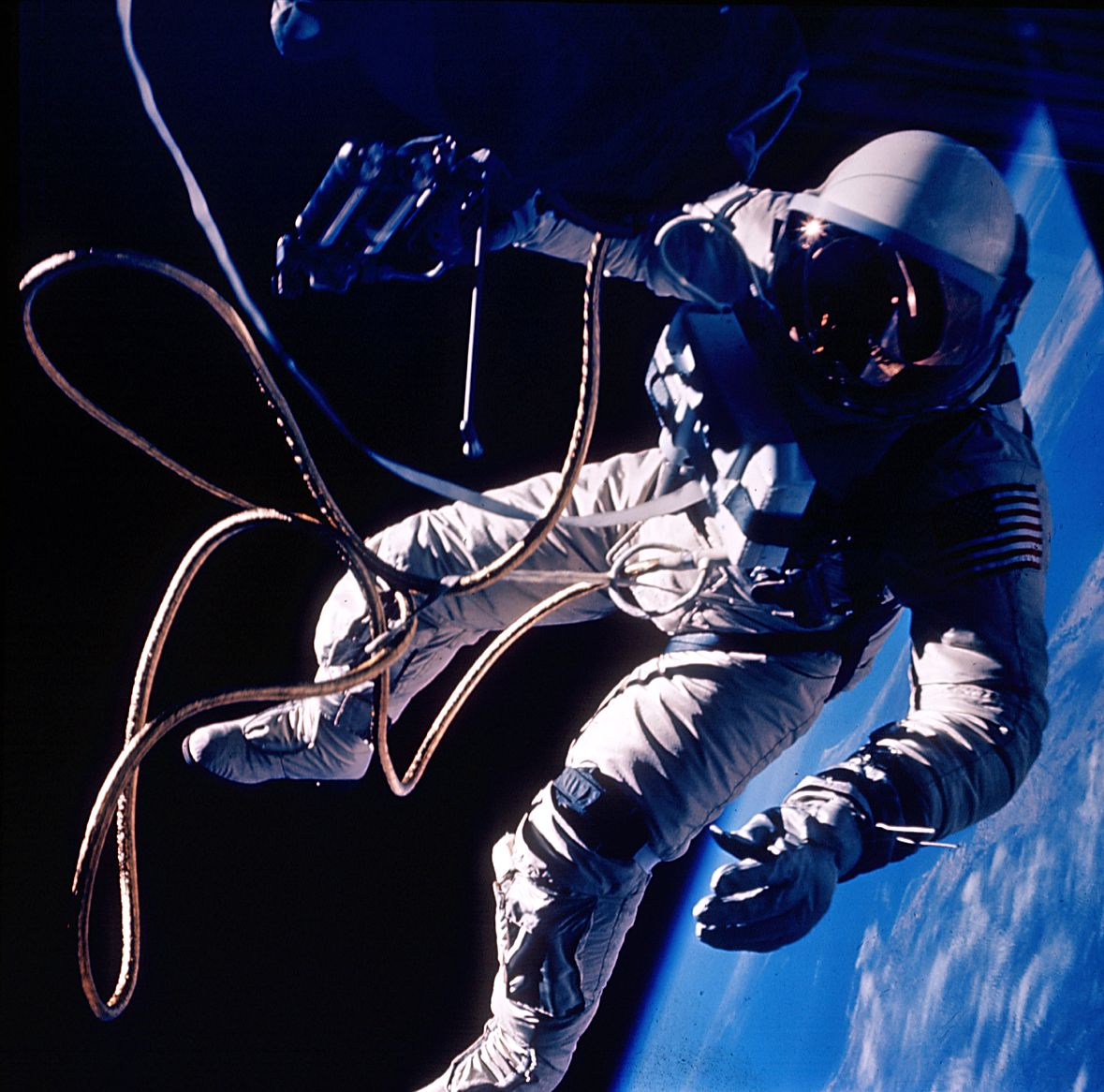 first american astronaut to walk in space - photo #20