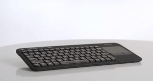 Dette tastaturet gir deg full kontroll i TV-stuen