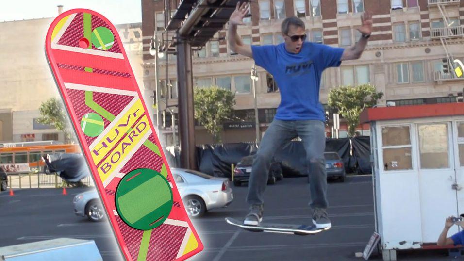 """Her """"flyr"""" Tony Hawk på et hoverboard"""