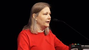 Amy Hennig under GDC 2012.