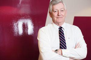 Direktør Thomas Angell i Virke Handel tror ingen tør å være først ute med å kreve gebyr for mobil- eller kredittkortbetaling.