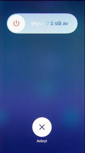 Apple har redesignet deler av iOS. Låseklossen er tilbake når du skal skru av telefonen.