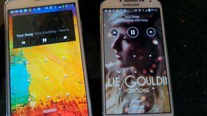 Hva skjer når musikken du starter på en telefon, med ett spilles av på en helt annen?