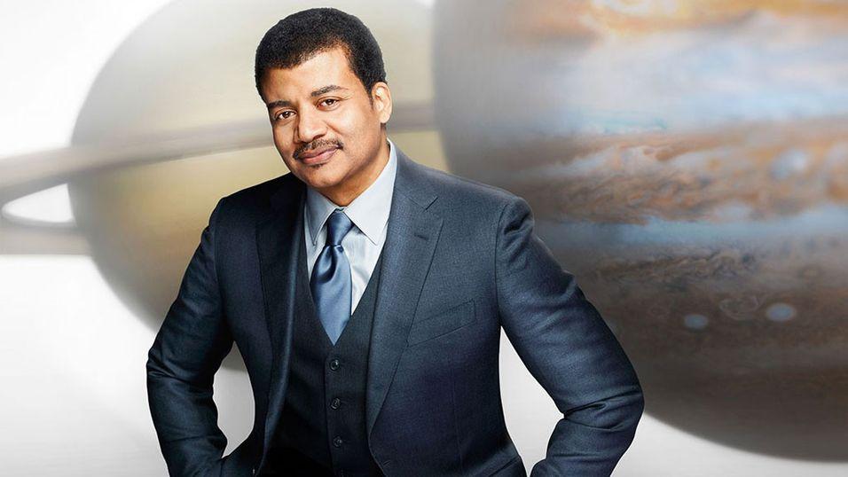 Astrofysiker Neil deGrasse Tyson leder programmet «Cosmos: A Spacetime Odyssey»