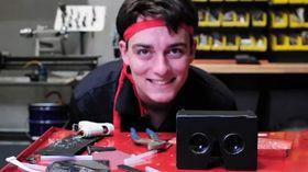 Oculus Rift-oppfinneren Palmer Luckey får passet påskrevet på Internett.