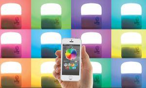 Fargen på lyset styrer du via en app på mobilen.