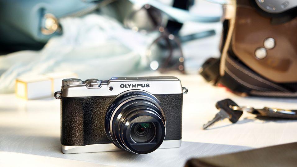 Olympus har lansert superzoom med retro-design