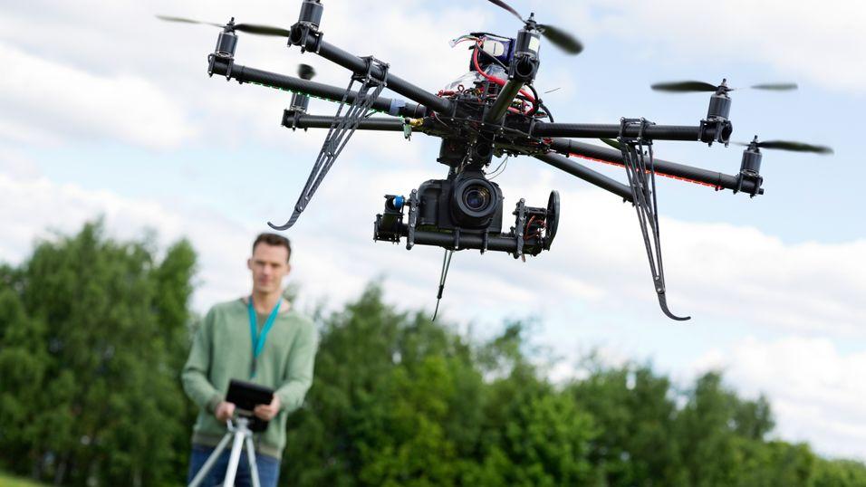 Nå kan alle ta bilder med droner i Norge
