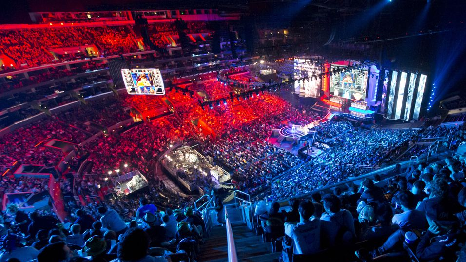 Det var tettpakket i Staples Center under finalen i League of Legends-verdensmesterskapet i fjor høst.