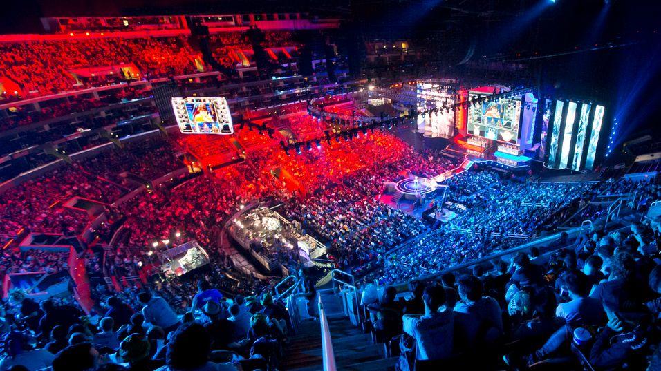 Det var tettpakket i Staples Center under finalen i League of Legends-verdensmesterskapet i fjor høst.