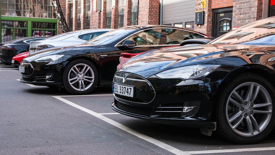 – Tesla er for enkel å hacke