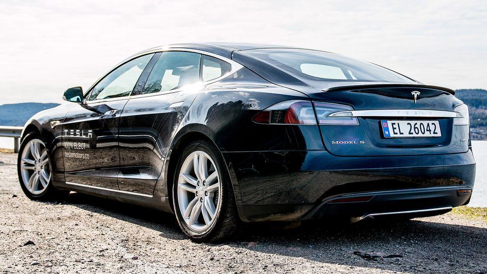 Tesla Model S kan bli minister-bil