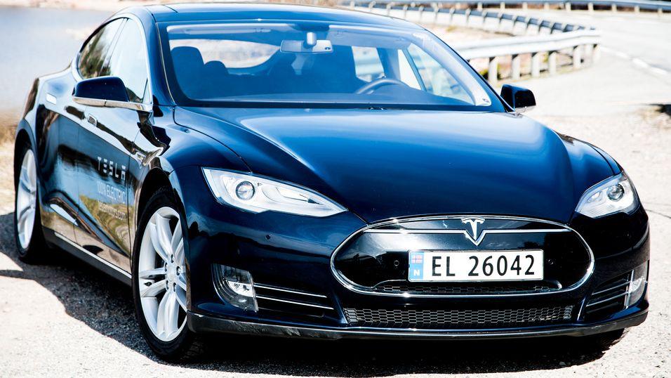 Tesla og andre elbiler kan bli dyrere
